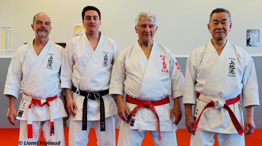 Lionel Reynaud entouré de Jean Smith, Guy Sauvin et Yukinobu Shimabukuro